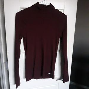 Hollister burgundy turtleneck